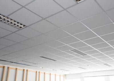 Pose de 100 M2 de plafond suspendu